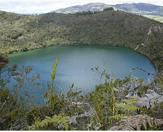 Village and lagoon of Guatavita